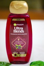 Garnier Ultra Blends Henna Blackberry Nourishing Shine Shampoo Review