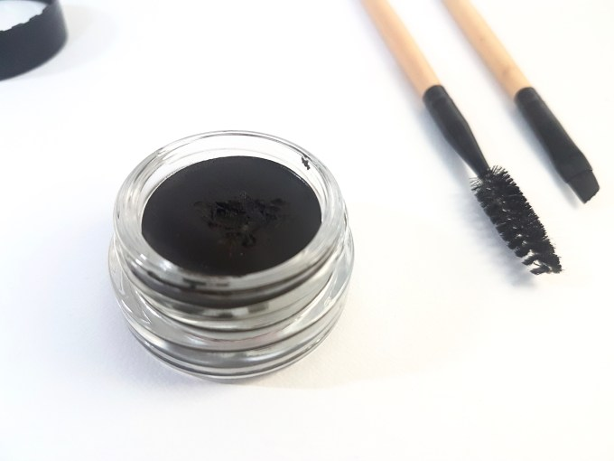 Anastasia Beverly Hills Dipbrow Pomade Review Swatches brush