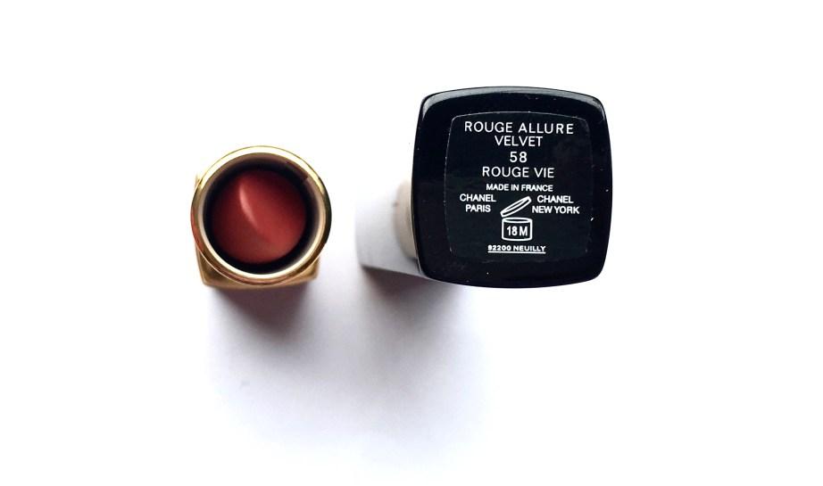 Chanel Rouge Allure Velvet Luminous Matte Lip Colour 58 Rouge Vie Review Swatch