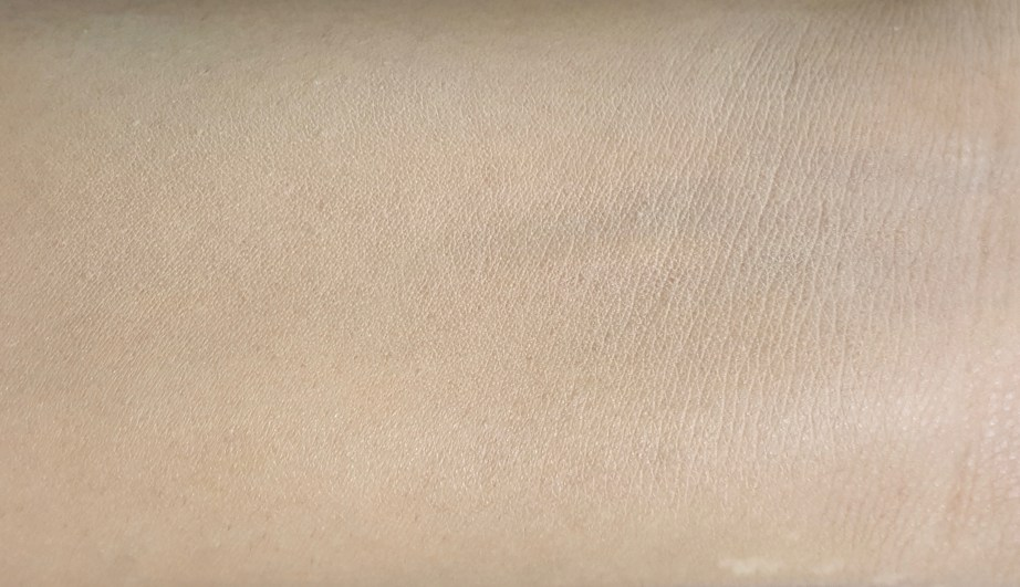 L'Oreal True Match Genius 4-In-1 Compact Foundation Review Swatches blended