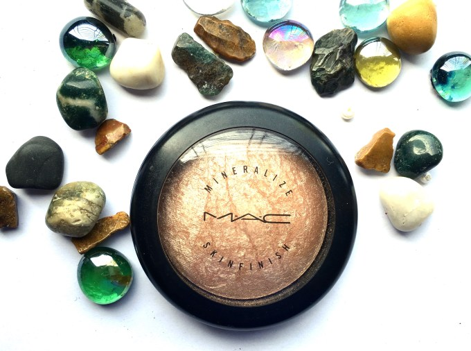 MAC Soft & Gentle Mineralize Skinfinish Highlighter Review Swatches mbf blog