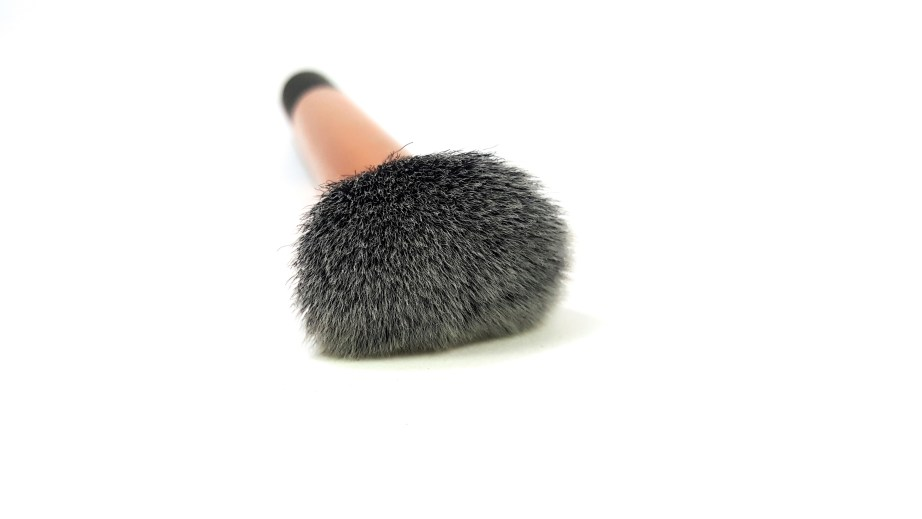 Real Techniques Buffing Brush Review demo