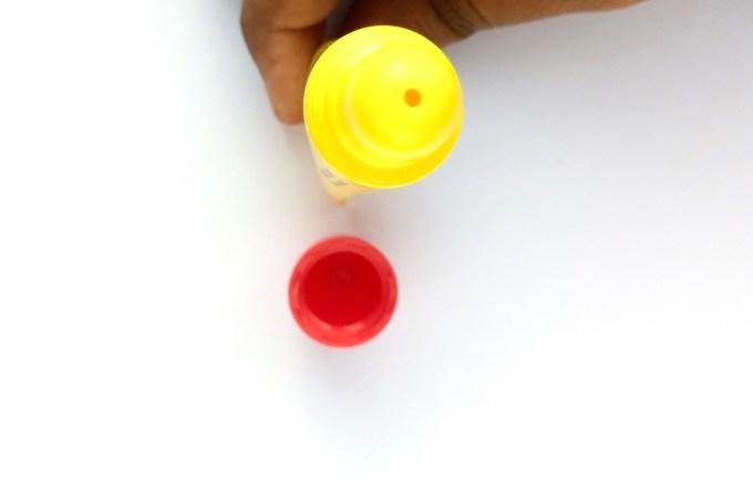 Carmex Original Lip Balm Review Swatches applicator