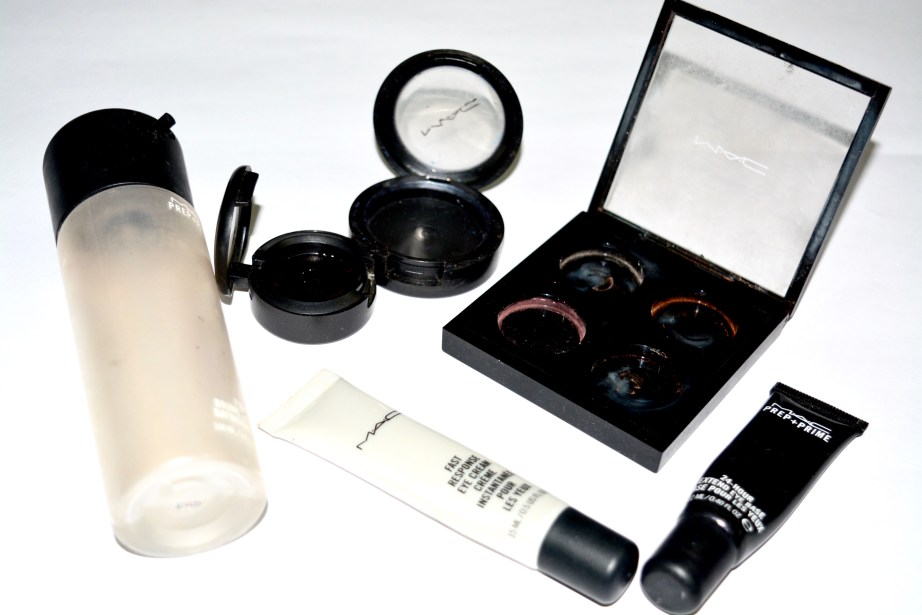 Back To MAC Program All Details by MAC Makeup Artist 6 containers