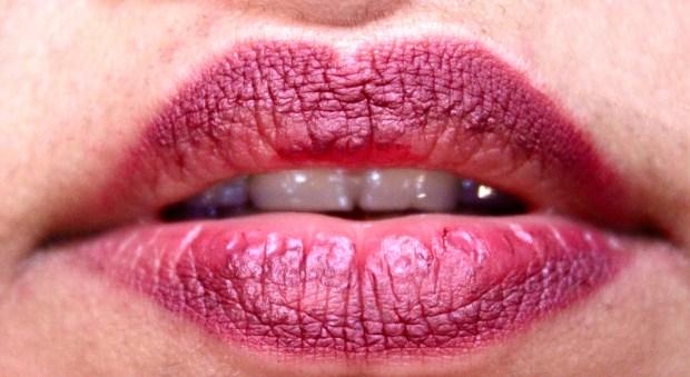Huda Beauty Lip Contour Matte Pencil Trophy Wife Review Swatches 4 hours