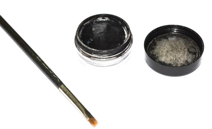 Inglot AMC Eyeliner Gel 77 Matte Black Review Swatches blog