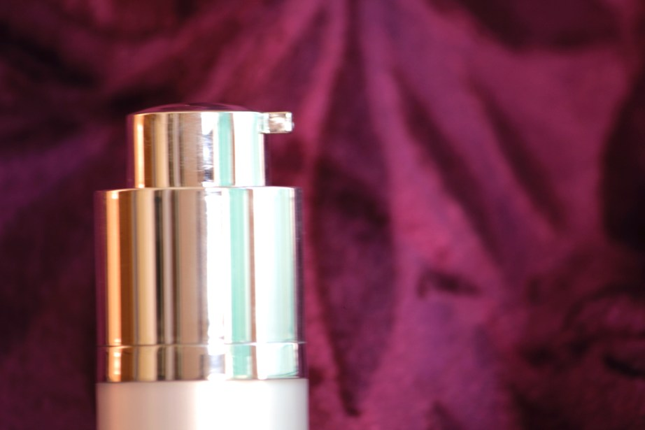 Colorbar Spotlight Illuminating Lotion Review, Swatches MBF