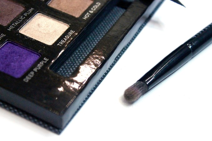 Anastasia Beverly Hills Self Made EyeShadow Palette Review, Swatches brush head