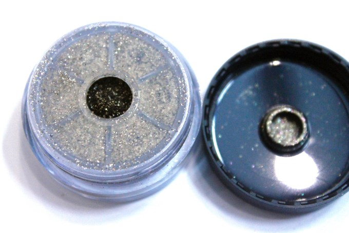 Makeup Geek Utopia Pigment Review, Swatches 1