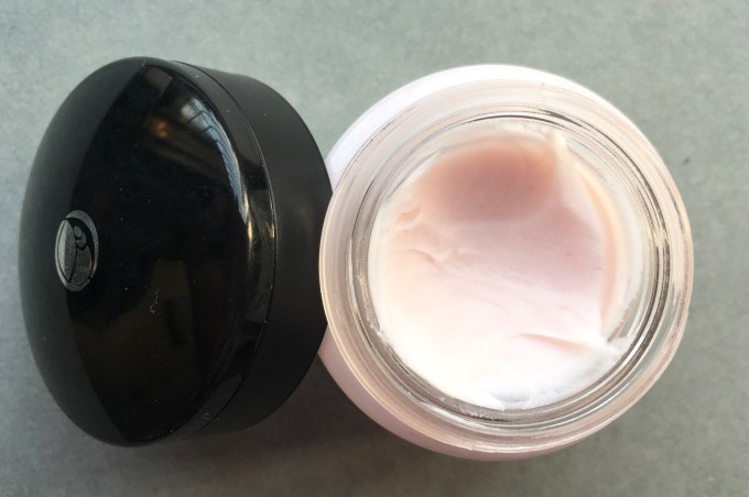L'Oreal Base Magique Transforming Smoothing Primer Review, Swatches focus