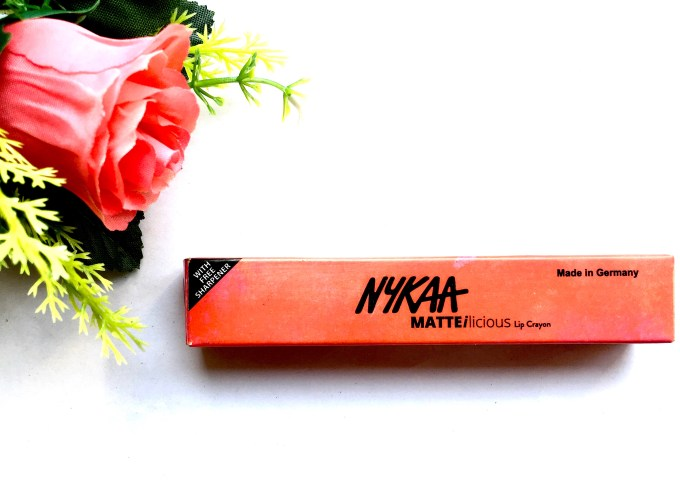 Nykaa Matteilicious Lip Crayon Perfect Plum Review, Swatches Box
