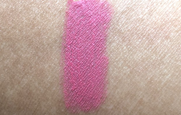 Nykaa Matteilicious Lip Crayon Pink On Fleek Review, Swatches hand