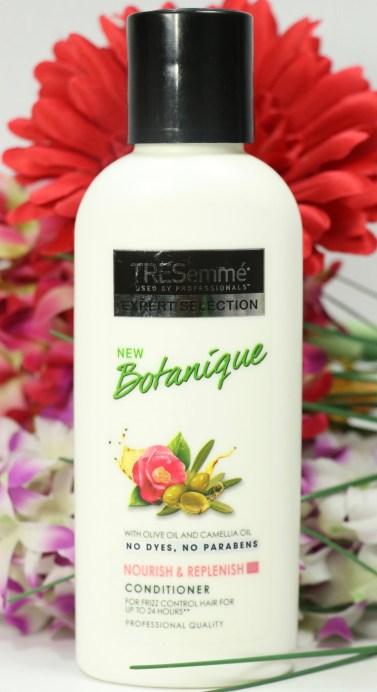 TRESemmé Botanique Nourish & Replenish Conditioner Review front