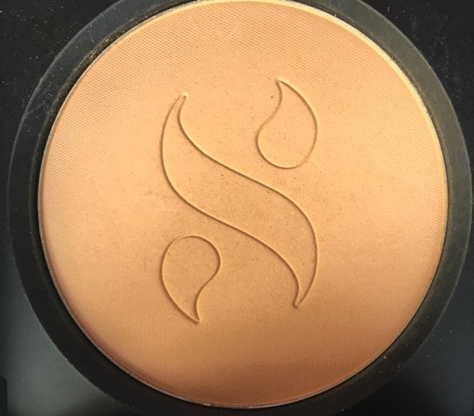 Sugar As Nude As It Gets SPF 15 Compact Review, Swatches closeup