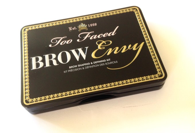 Too Faced Brow Envy Brow Shaping & Defining Kit Review, Swatches Outside