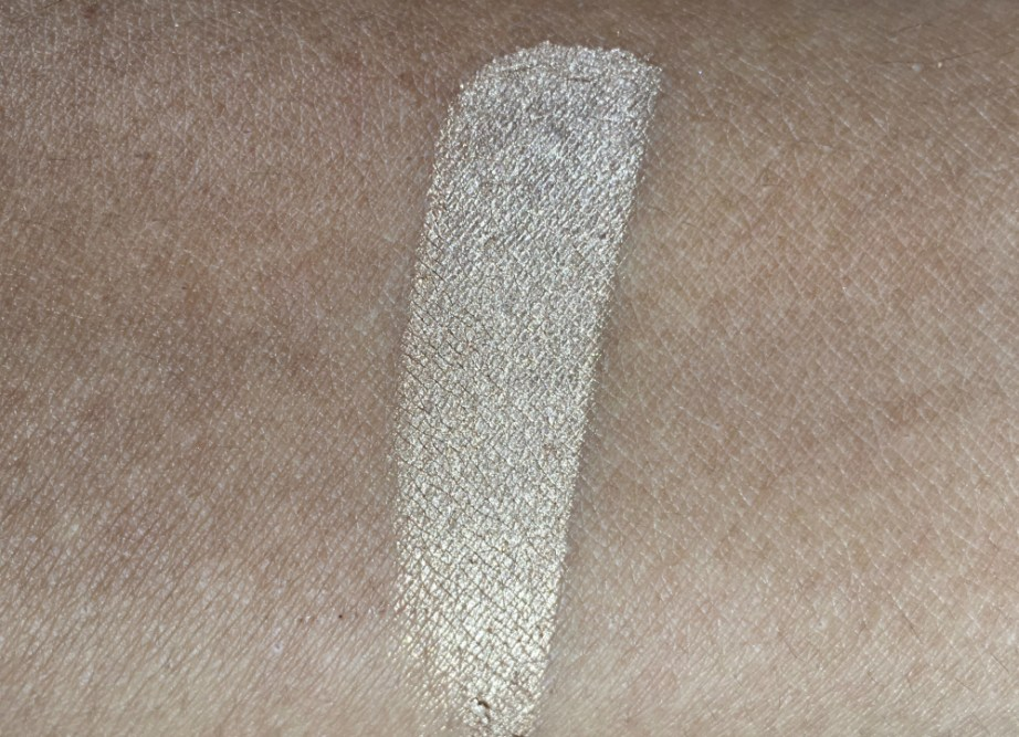 PAC Cosmetics Baked Highlighter 08 Review, Swatches skin