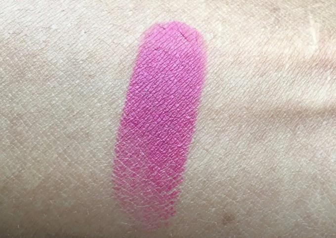 Lakme 9 to 5 Primer + Matte Lip Color MP18 Plum Pick Review, Swatches skin