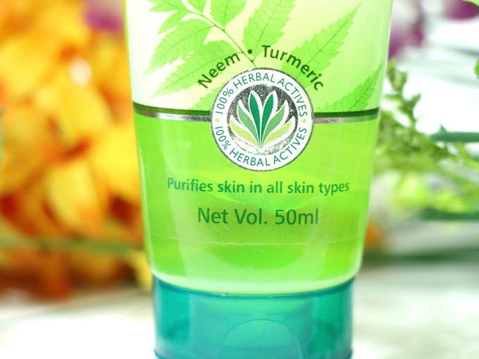 Himalaya Herbals Purifying Neem Face Wash Review, Swatches All skin Types