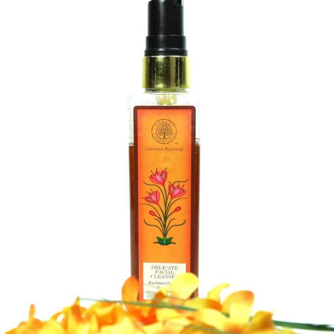 Forest Essentials Delicate Facial Cleanser Kashmiri Saffron & Neem Review MBF Blog