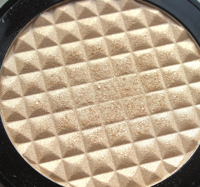 Makeup Revolution Pro Illuminate Highlighter Review, Swatches HD Closeup