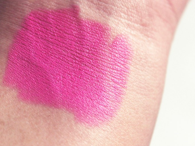 MAC Pink Pigeon Matte Lipstick Review, Swatches hand