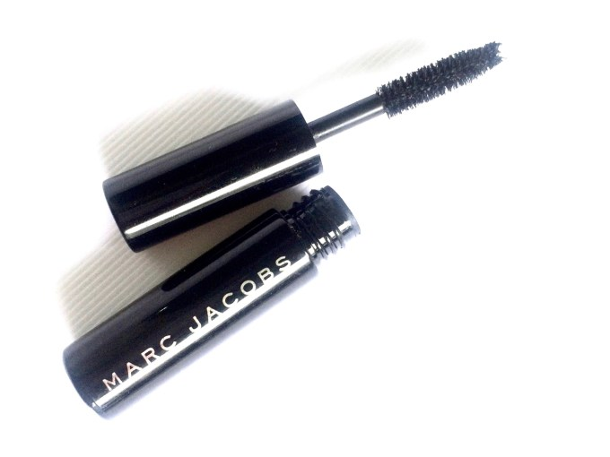 Marc Jacobs Beauty O!Mega Lash Volumizing Mascara Blacquer Review, Swatches MBF
