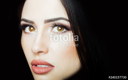 Makeup For Brunettes With Brown Eyes Beautiful Face Female Portrait Brunette Woman Beautiful Eyes