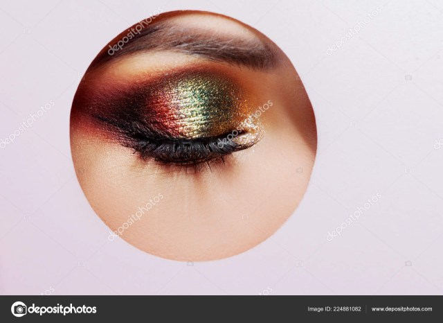 Makeup Smokey Eyes Bright Eye Makeup Smokey Eyes Colored Eyeshadow Round Cutout In