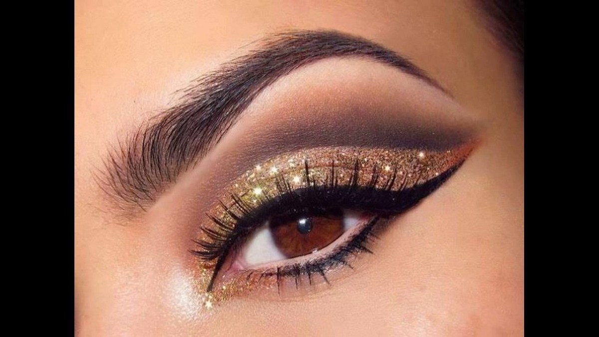 natural makeup for hazel eyes black and gold glitter eye