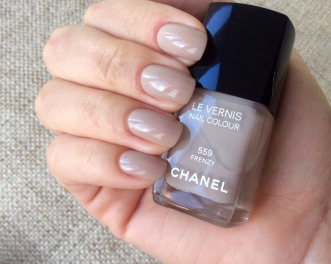 Chanel Le Vernis Nail Colour 559 Frenzy review swatch