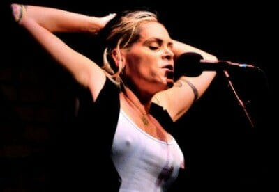 20121024041813-BETH-HART-LATERAL