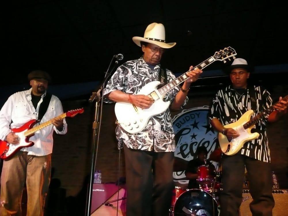<a class=&quot;amazingslider-posttitle-link&quot; href=&quot;http://www.makingascene.org/blues-legend-lonnie-brooks-december-18-1933-april-1-2017/&quot;>Blues Legend Lonnie Brooks: December 18, 1933 - April 1, 2017</a>