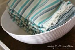 blue and aqua table linens