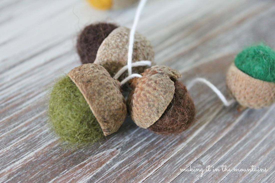 Halloween acorns mini felted acorns set of 20 black orange yellow wool small felt acorns tablescape natural material gift for friend