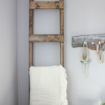DIY Blanket Ladder