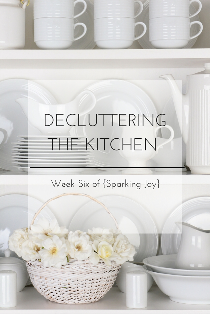 See how I am decluttering and organizing the kitchen to tidy it all up once and for all! #KonMari