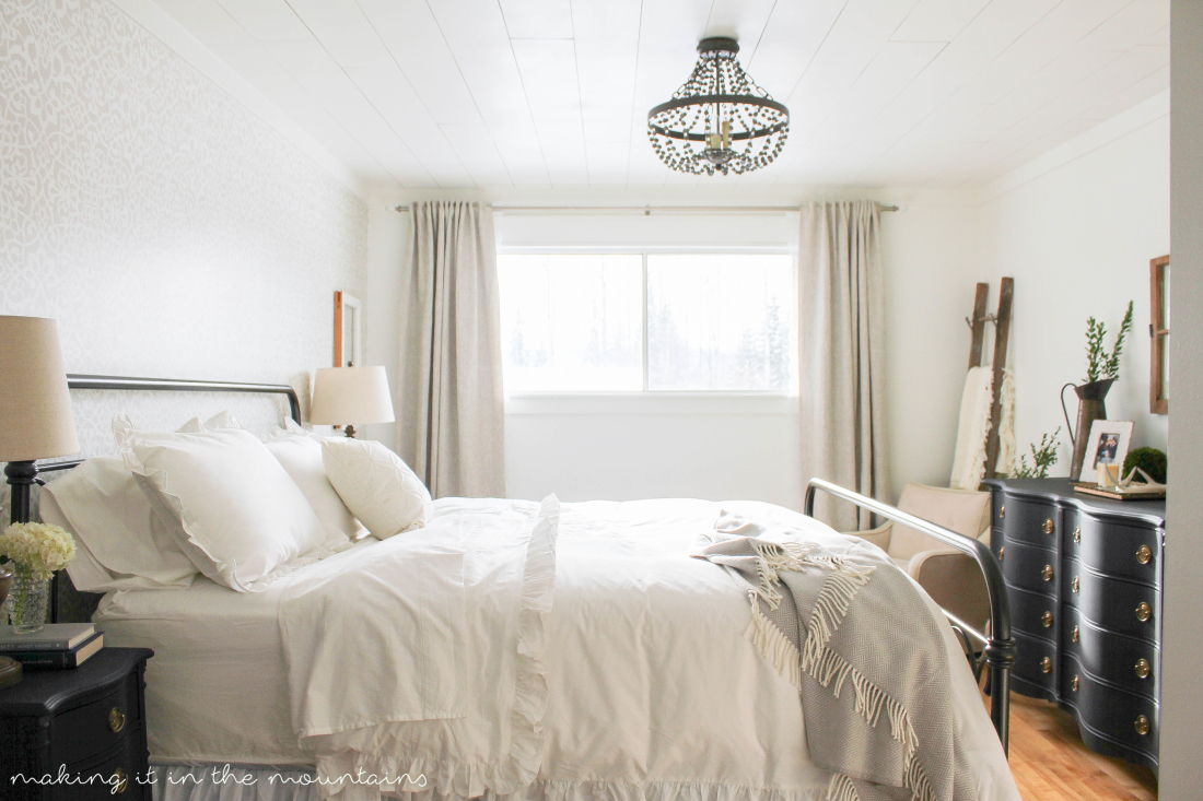 A Lovely Farmhouse Bedroom Full Of All Sorts Of Dreamy Details! Farmhouse  Master Bedroom