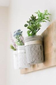 DIY Rustic Farmhouse Mason Jar Planter | www.makingitinthemountains.com