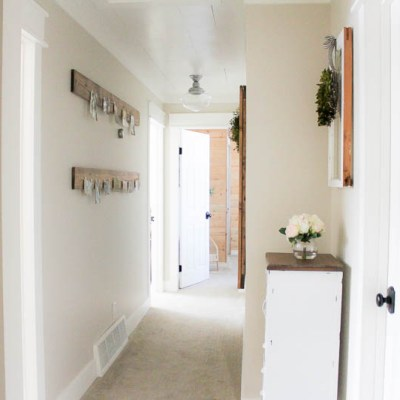 A Farmhouse Style Hallway Makeover