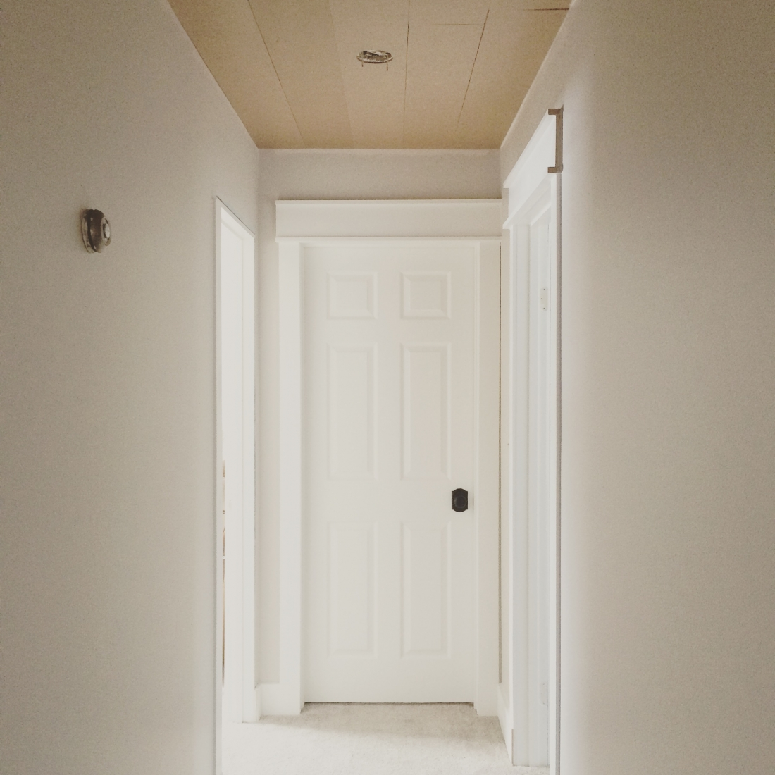 Hallway Makeover with DIY Farmhouse Trim & DIY Farmhouse Style Trim - making it in the mountains