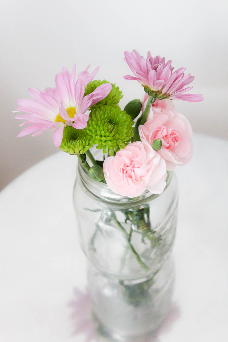 rustic kitchen decorating ideas unfinished table 10 minute decorating: 5 mason jar flower arrangements ...