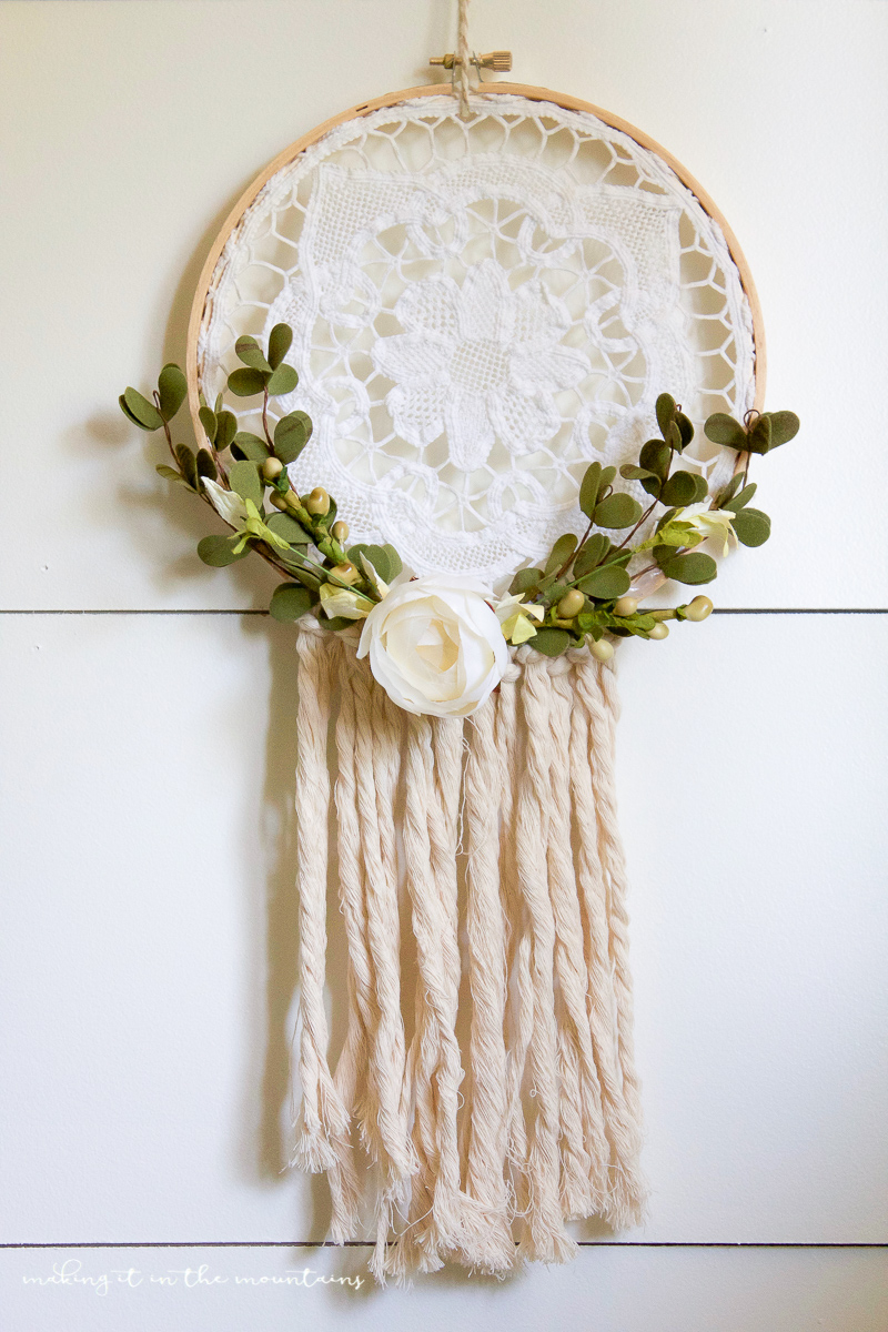 How To Make A Rustic Farmhouse Style Dreamcatcher From A