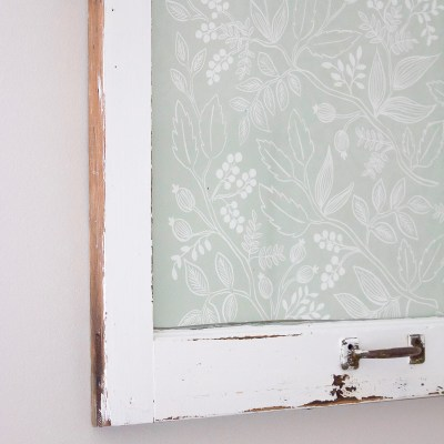 How to Make a Farmhouse Style DIY Dry Erase Board from a Vintage Window