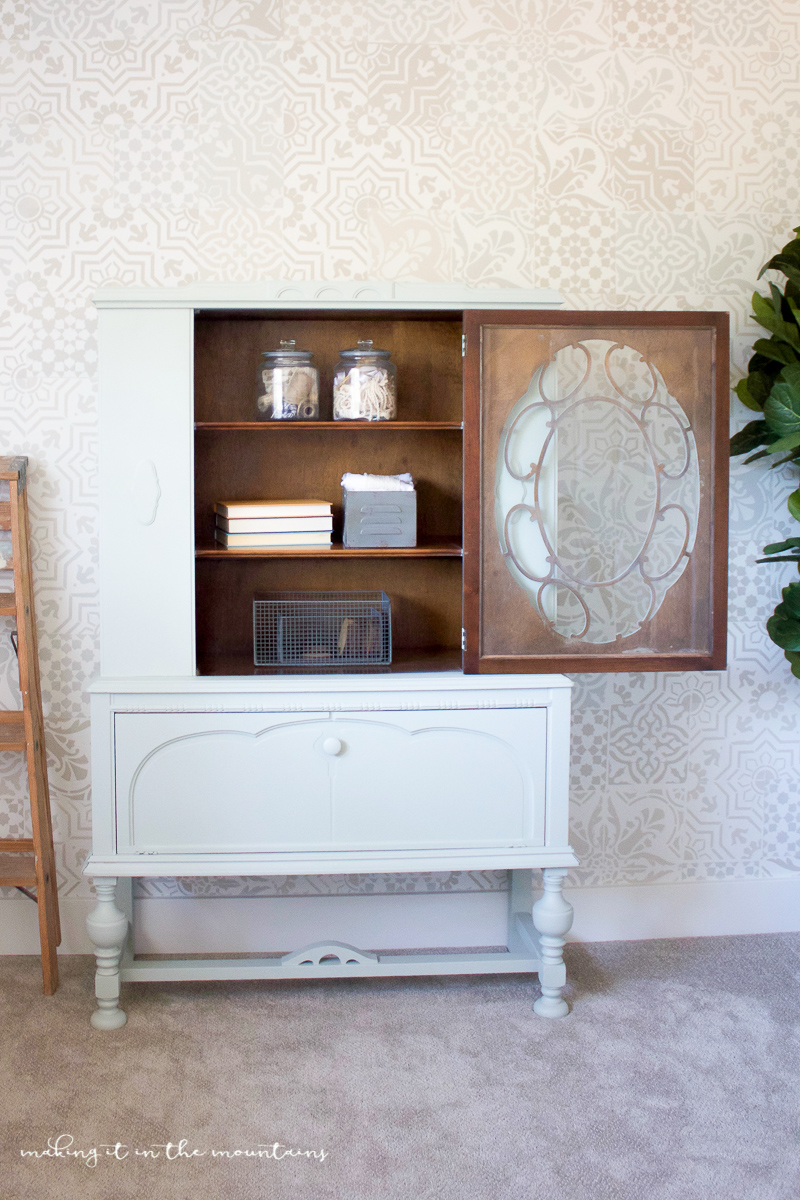 Farmhouse Style Office Storage | www.makingitinthemountains.com