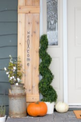 This rustic DIY welcome sign was SO simple to make and is such a lovely way to welcome guests to our home!