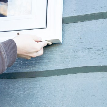 Thinking about installing your own windows? It's a great way to save a ton of money and it's so much easier than you might think! Don't miss this step-by-step guide all about how to install new windows.