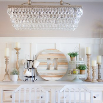 Simple Winter dining room decor ideas to make your dining space feel cozy and inviting this Winter.