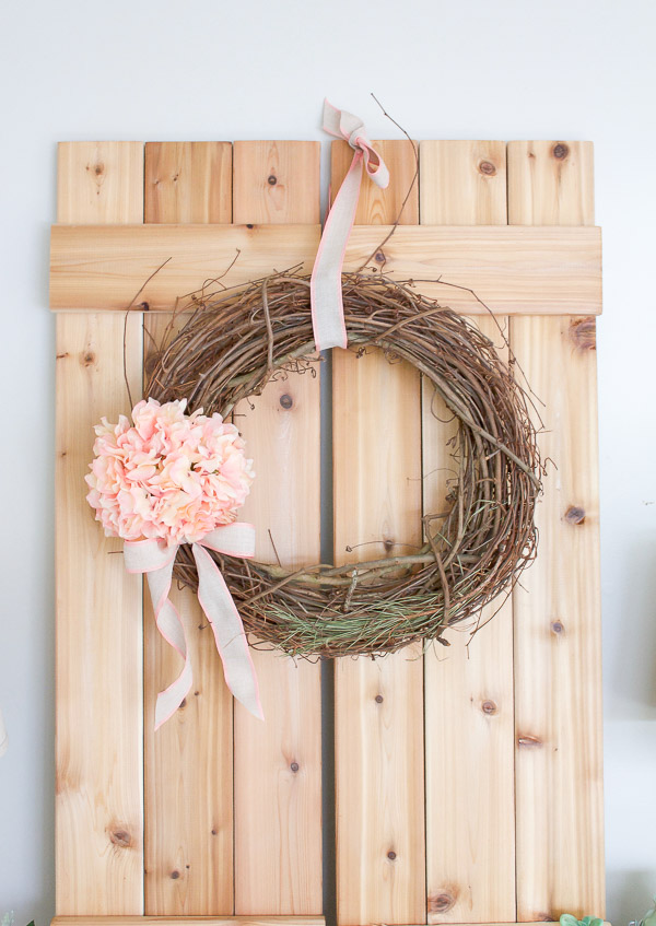 How to make a Spring Wreath in just 5 Minutes