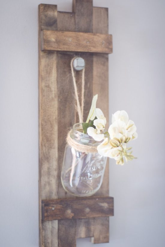 Farmhouse Mason Jar Holder