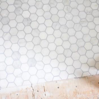 Farmhouse Powder Room - marble floors